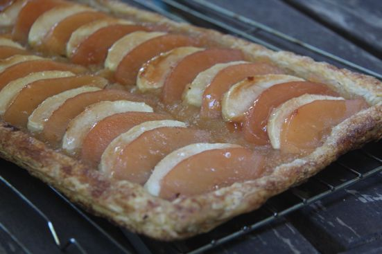 Quince apple tart