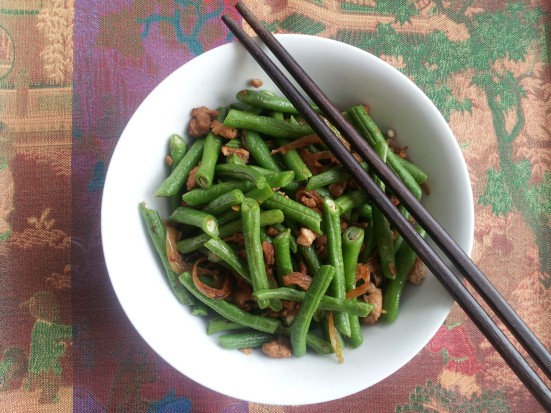 Hot and spicy long beans with pork